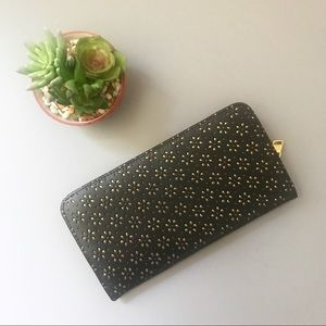 urban outfitters / nwt new gold black wallet